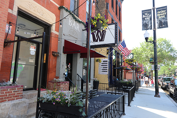 Old Town Restaurants | ChicagoHome Brokerage Network at @properties